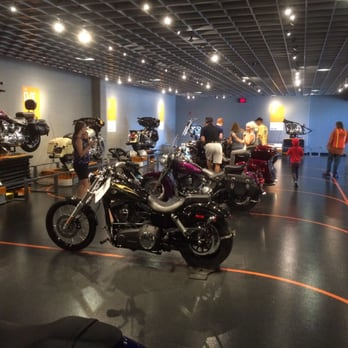 Harley-Davidson Factory Tour - 22 Photos & 20 Reviews - Motorcycle
