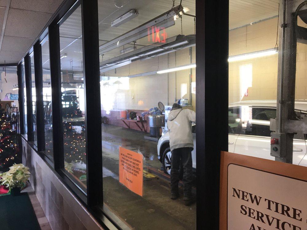 Park Avenue Car Wash & Detailing Center: 381 Park Ave W, Mansfield, OH
