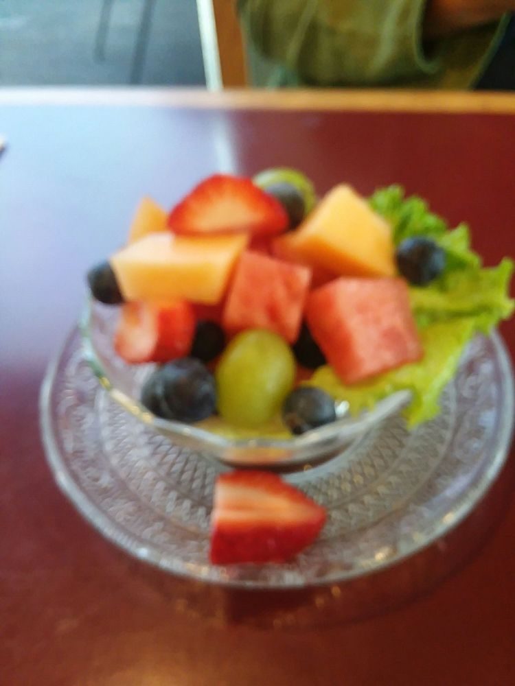 The Valley Grille: 309 Old Barnstable Rd, Mashpee, MA