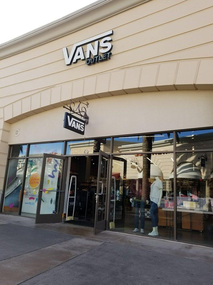 Vans Outlet - 14 Photos   33 Reviews - Shoe Stores - 5630 Paseo Del Norte 8c2ec30727e