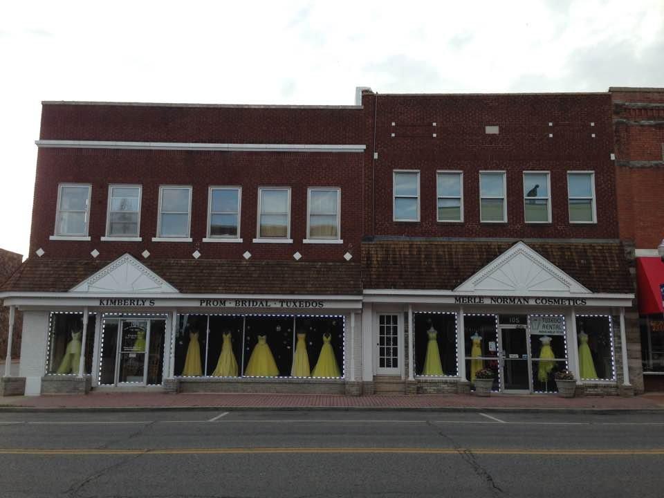 Kimberly's Prom: 105 N Muskogee Ave, Tahlequah, OK