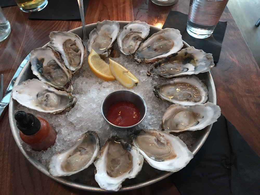 Sailor Oyster Bar: 196 West St, Annapolis, MD