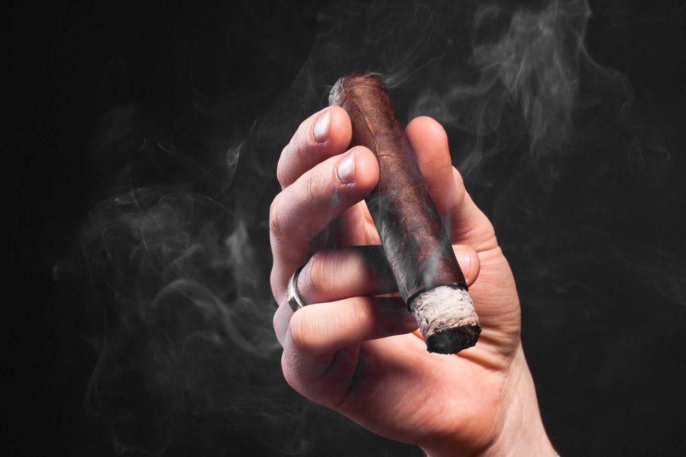 Casa de Montecristo by Serious Cigar - Webster