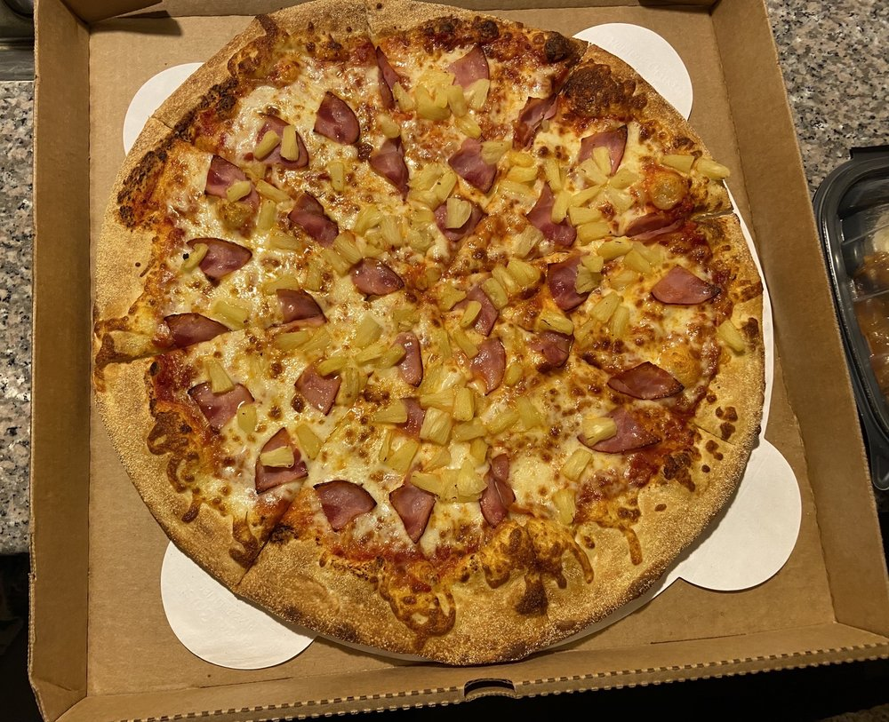 Food from Pauly's Pizzeria & Sub