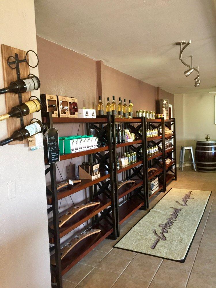 Cottonwood Canyon Vineyard & Winery: 3940 Dominion Rd, Santa Maria, CA