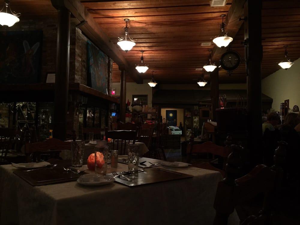 Restaurant Coffret De L'imagination: 145 Rue Michaud, Coaticook, QC