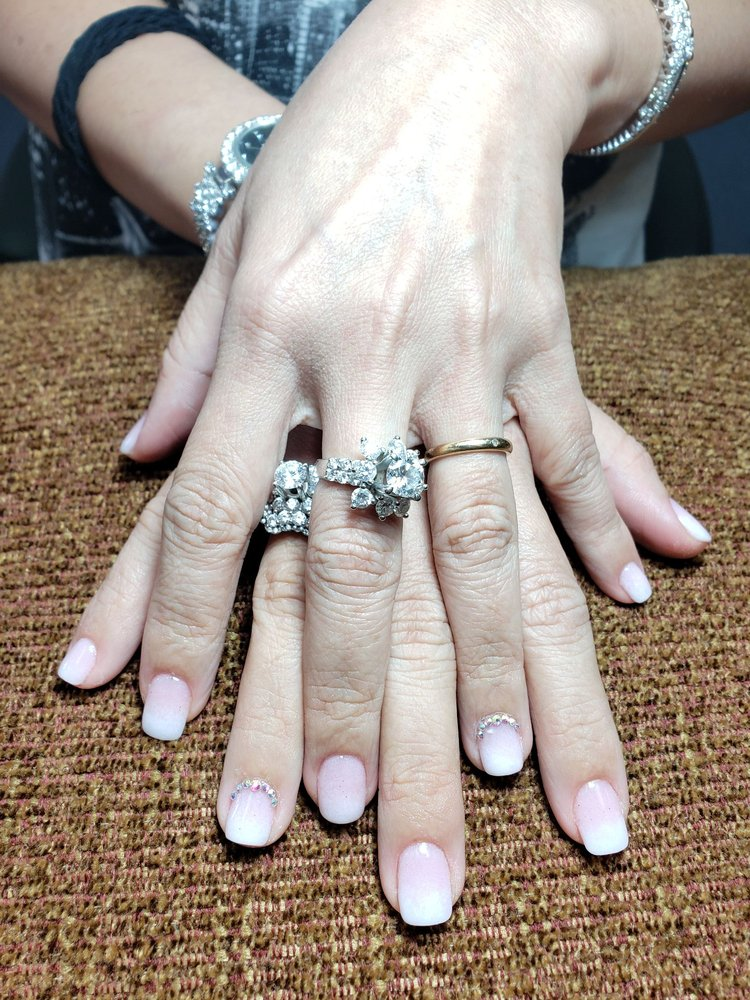 Top Nails: 2111 Missouri Blvd, Jefferson City, MO