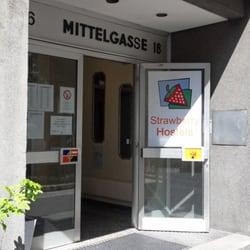 Strawberry Hostel - Hostels - Mittelgasse 18, Mariahilf