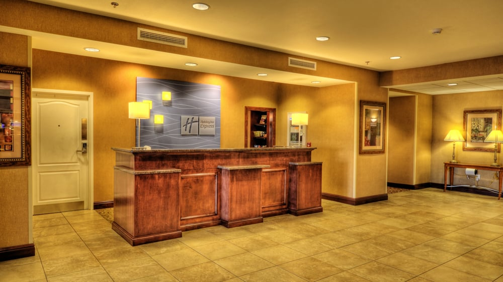 Holiday Inn Express & Suites Sioux City - Southern Hills: 4723 Southern Hills Dr, Sioux City, IA