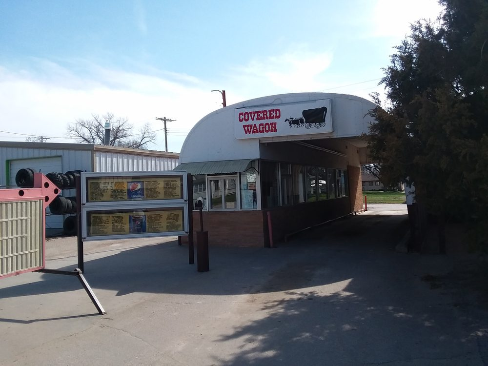 Covered Wagon Drive Inn: 327 N Main St, Gordon, NE