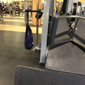 Gold s gym photos reviews gyms th ave ne