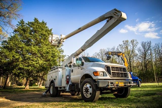 Newton Tree Service: 107 E Cadron Rdige Rd, Greenbrier, AR