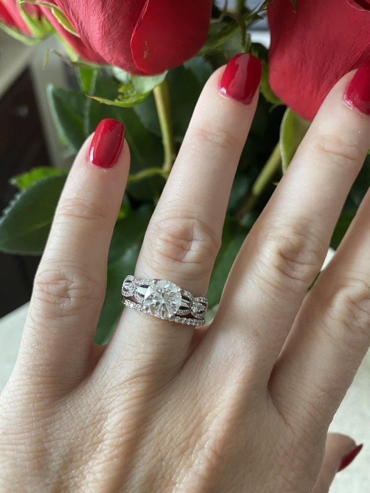 Diamond Castle Jewelers: 39955 Grand River Ave, Novi, MI