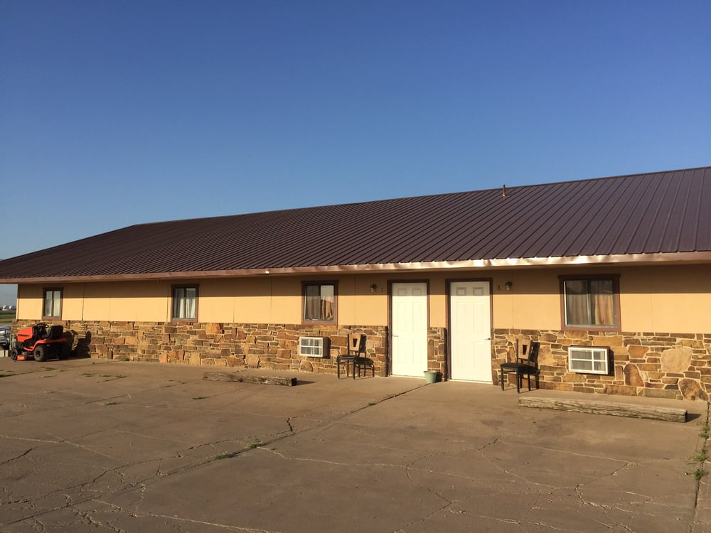 Golden Prairie Motel: 911 W La Lande Ave, Sublette, KS