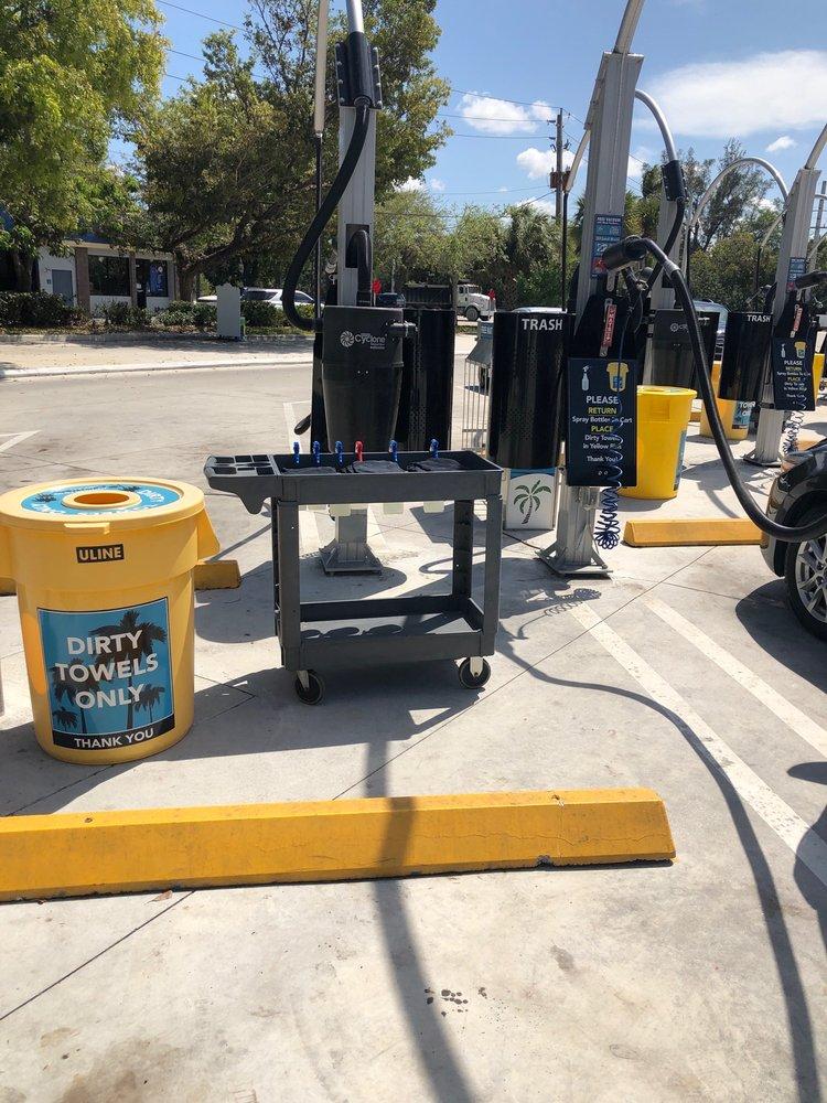 Southern Palms Car Wash: 11453 Southern Blvd, Royal Palm Beach, FL
