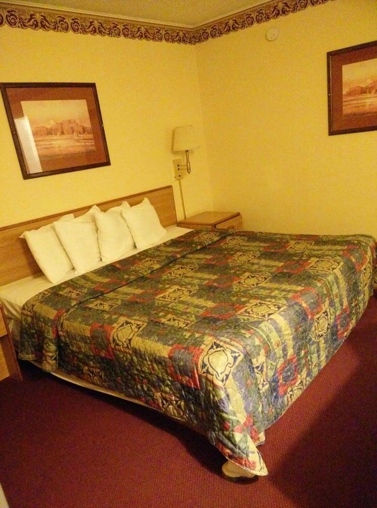 River Forest Inn: 1414 E 6th Ave, Belton, TX