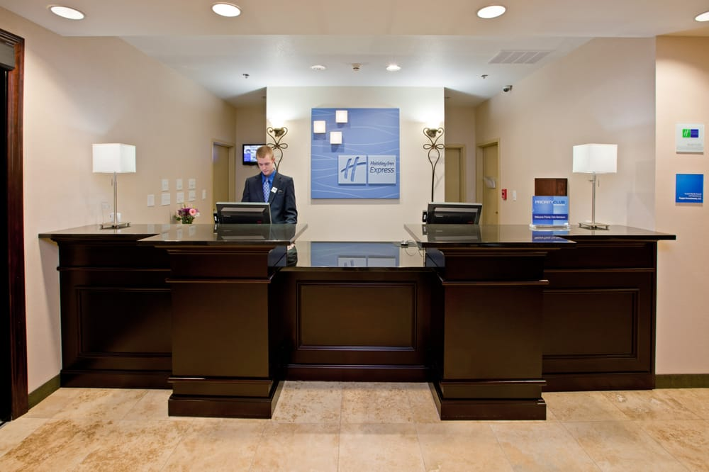 Holiday Inn Express & Suites Shelbyville Indianapolis: 38 W Rampart St, Shelbyville, IN