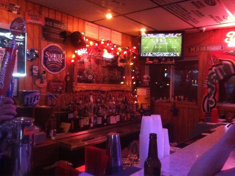 The Village Pub: 1450 Railroad St, Millbury, OH