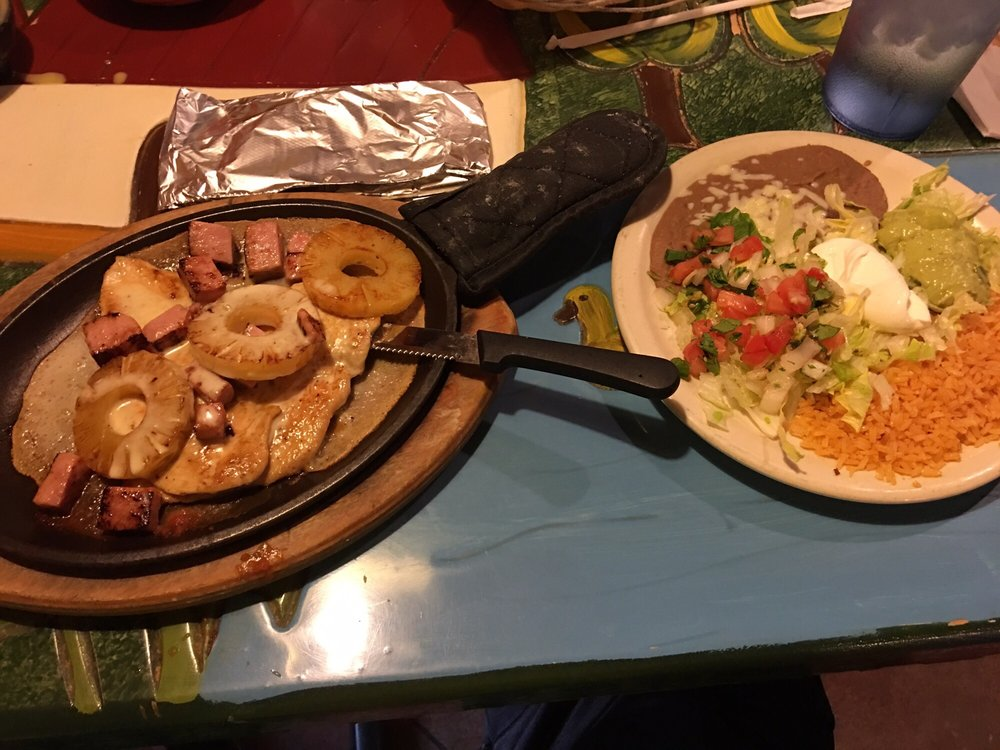 El Parian Mexican Restaurant: 823 Martin Luther King Blvd, Malvern, AR