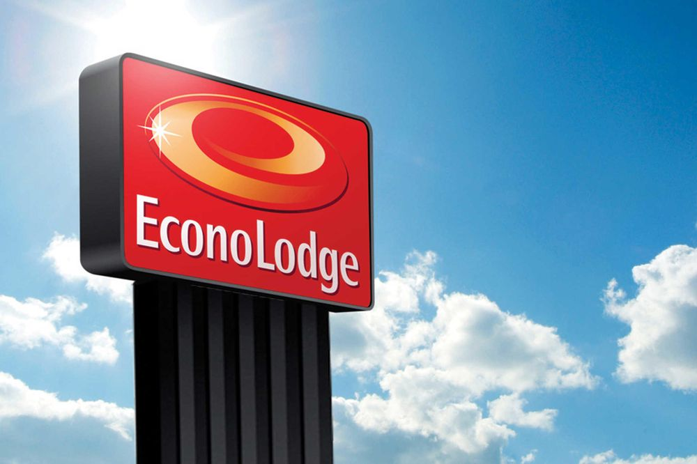 Econo Lodge: 577 S Lincoln Street, Burlington, CO
