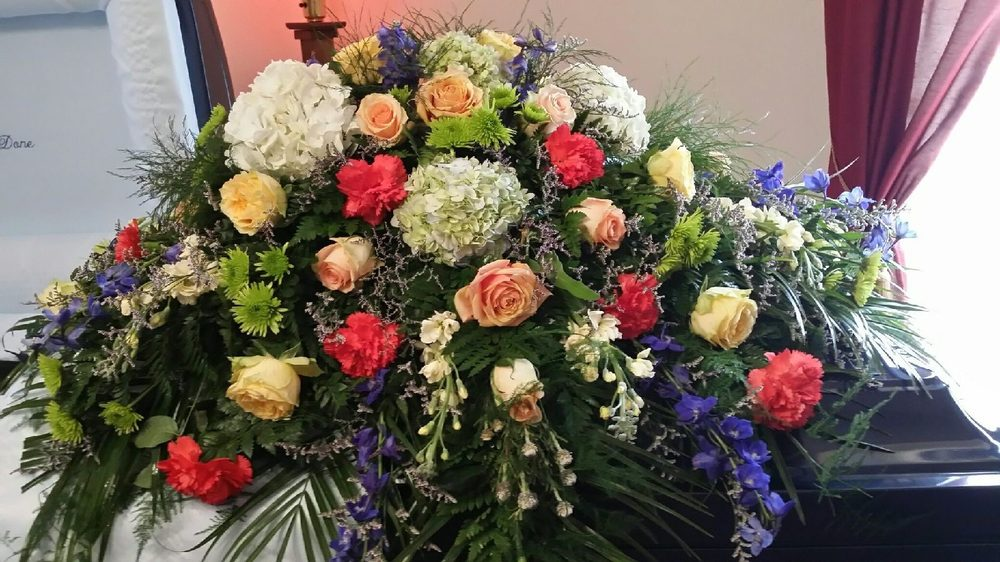 Jackson Jewelry & Florist: 107 Hardaway Ave E, Union Springs, AL
