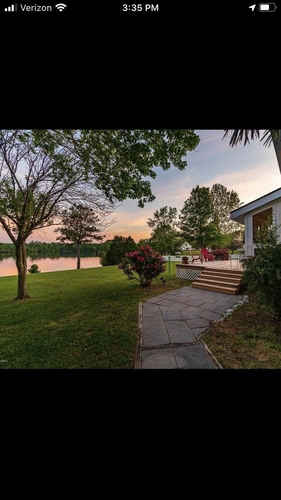 Neuse Realty: 601 Broad Creek Rd, New Bern, NC