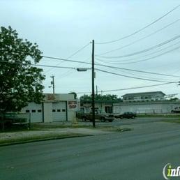 Ramirez auto glass auto glass services 2703 commercial for Fernandez honda san antonio tx