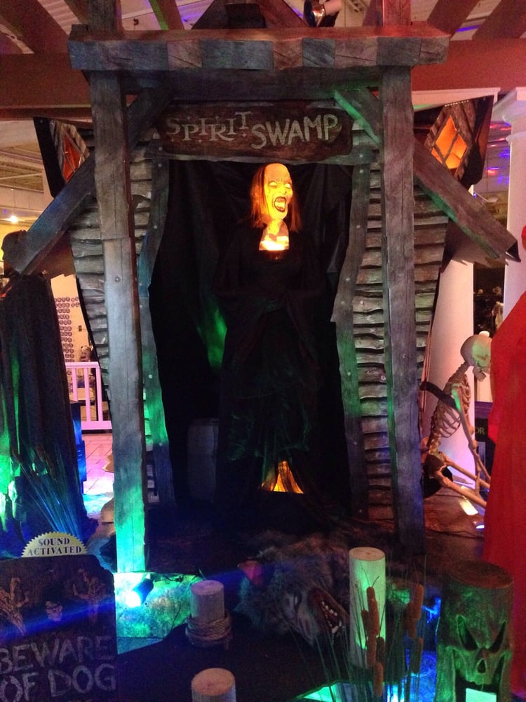 Spirit Halloween: 2100 Route 38, Cherry Hill, NJ