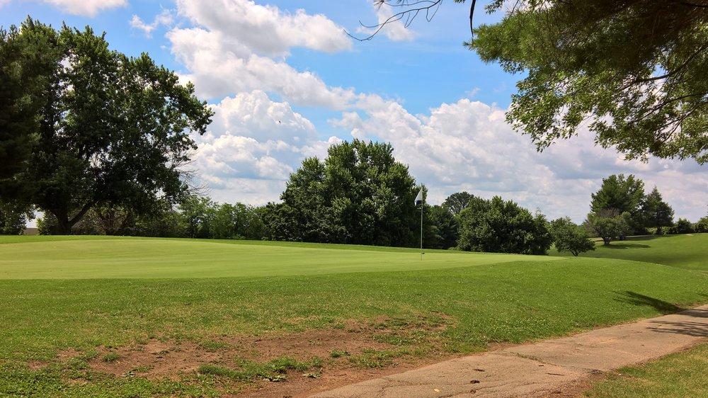 Kenton Station Golf Course: 1306 Golf Manor Dr, Maysville, KY