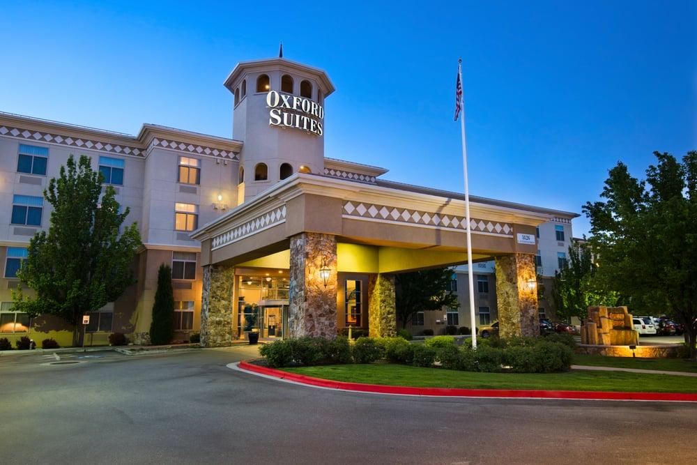 Oxford Suites Boise: 1426 S Entertainment Ave, Boise, ID