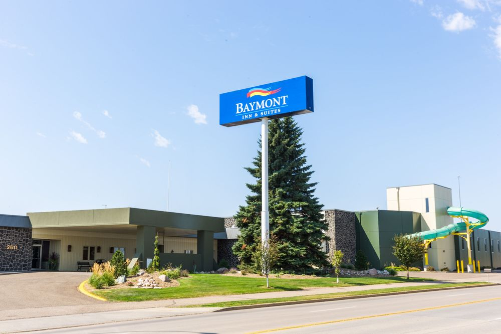 Baymont by Wyndham Mandan Bismarck Area: 2611 Old Red Trail NW, Mandan, ND