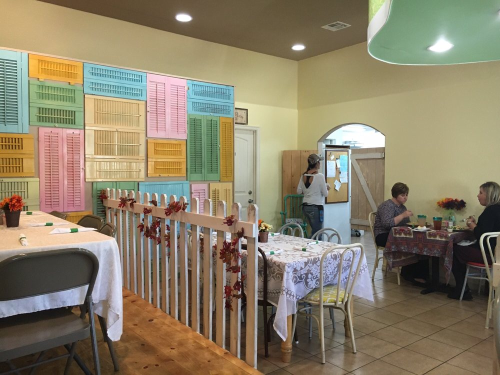 Lori's Sweet Sinsation Tea Room & Bakery: 862 W Taft Ave, Sapulpa, OK