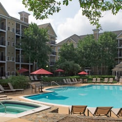 Town square at mark center apartments 40 photos 46 reviews flats 1459 n beauregard st Swimming pools in alexandria va