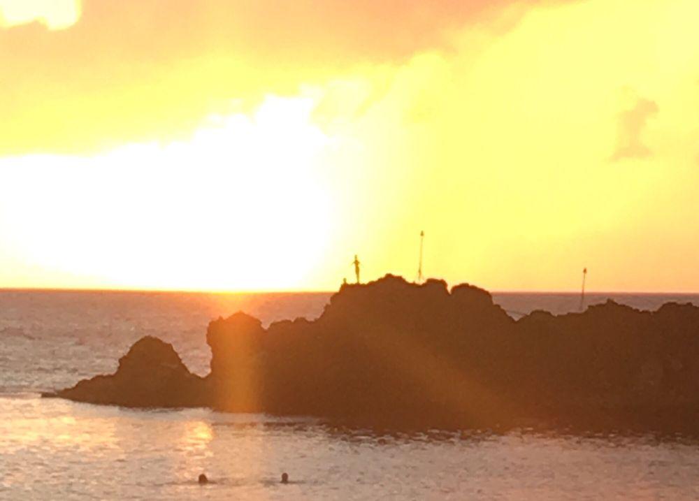 Aloha Friday UYE @ Cliff Dive Bar: 2605 Kaanapali Pkwy, Lahaina, HI