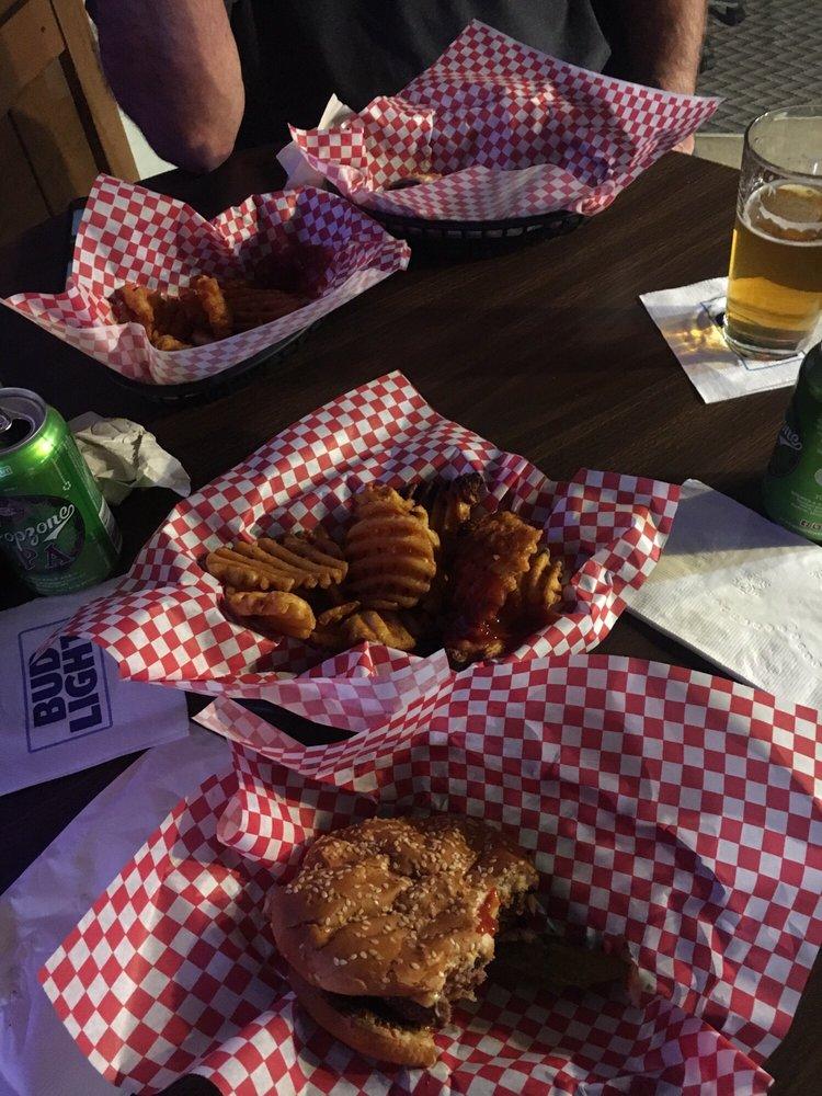 Windsor Bar: 201 N Main, Boulder, MT