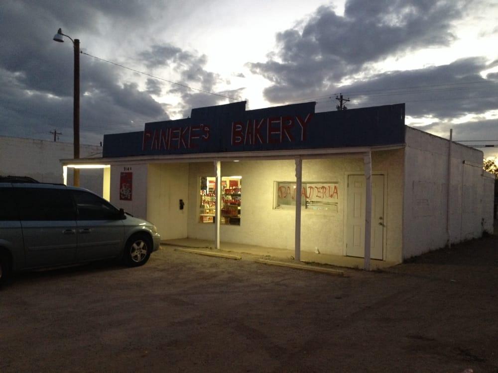Paneke's Bakery: 914 S Main Ave, Lovington, NM