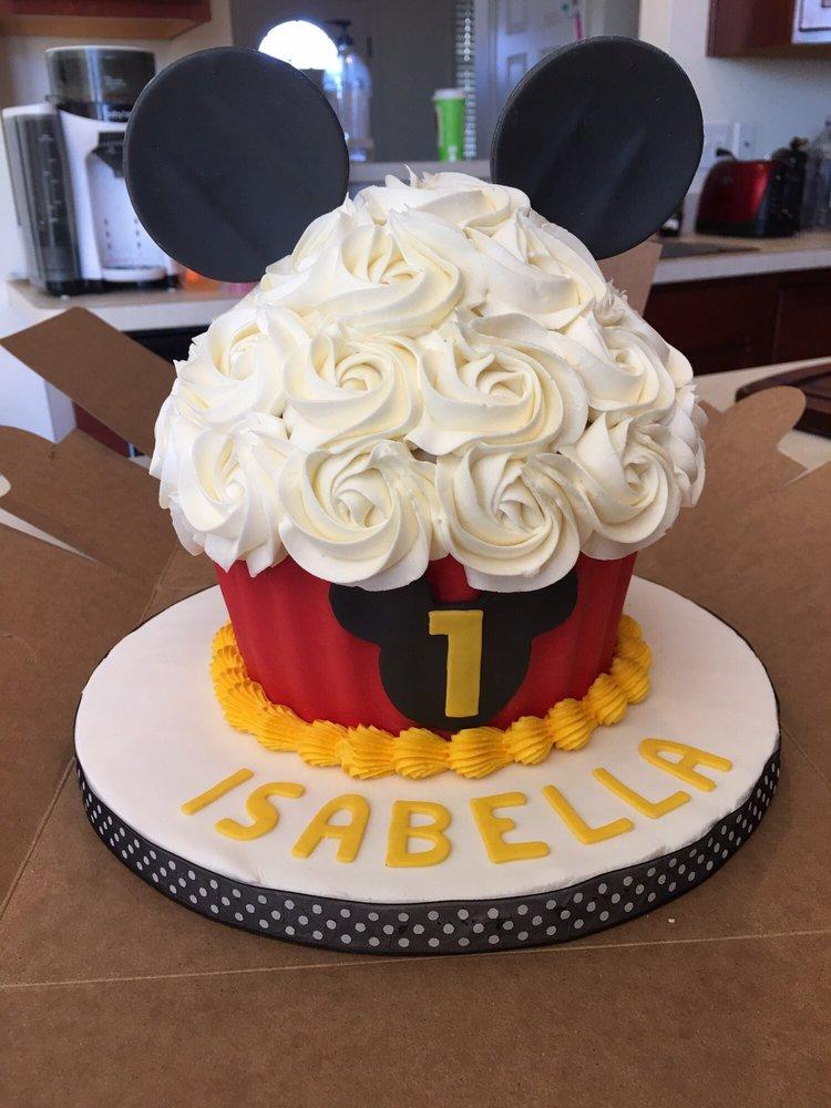 Lansing Cake Bakeries