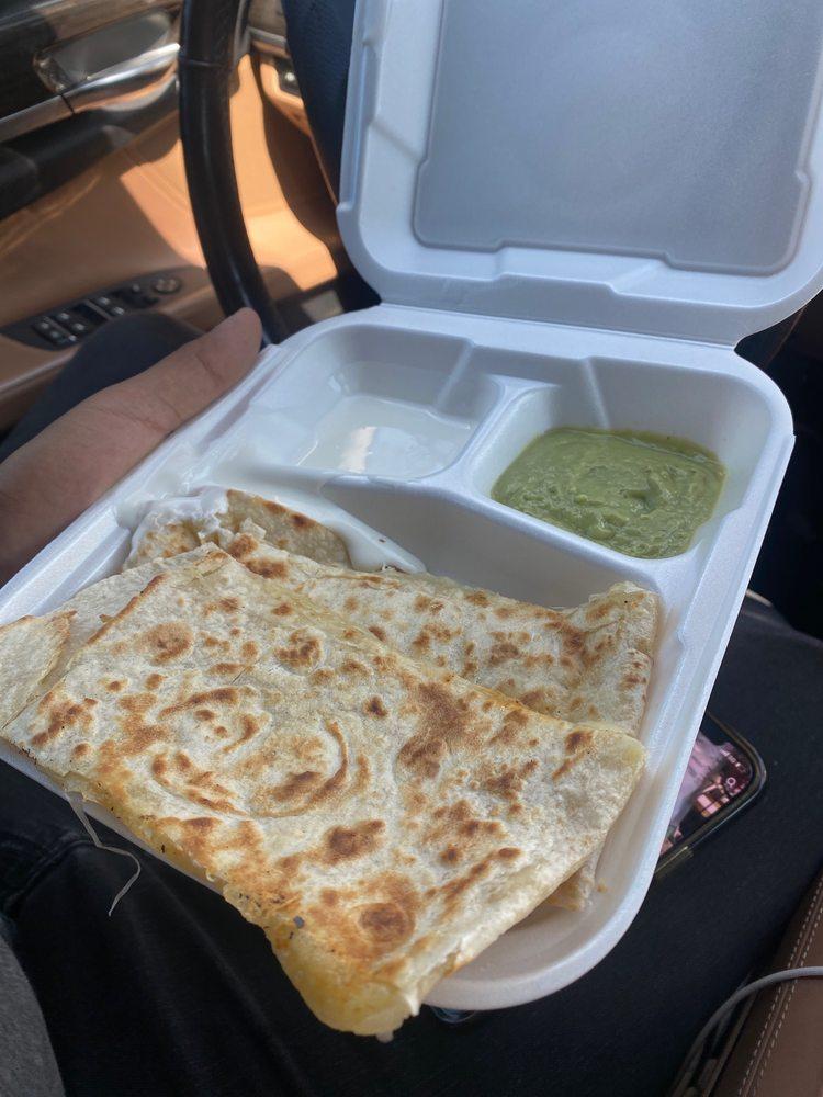 Mami Chuy Tacos: 2525 N Texas St, Fairfield, CA