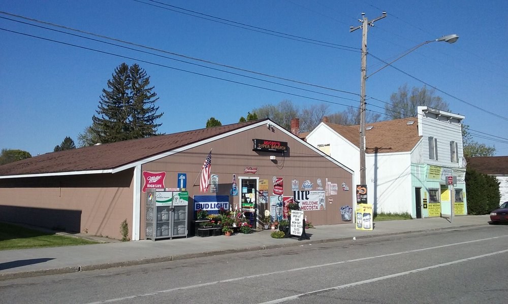 Woody's Super Bargin: 155 W Main St, Mecosta, MI