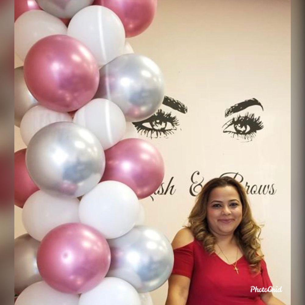 Marvet's Eyebrow Threading Salon: 3373 W Florida Ave, Hemet, CA