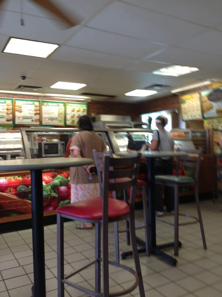 Subway Fast Food 8310 N 6th St Wellington Co Restaurant Reviews Phone Number Yelp