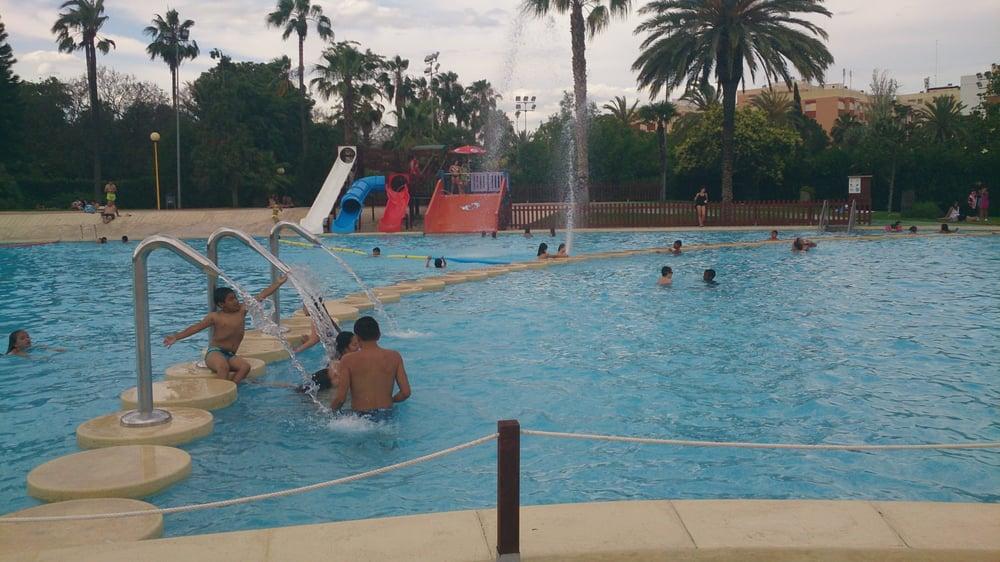 Piscina municipal aquaval swimming pools avinguda de for Piscina municipal de valencia