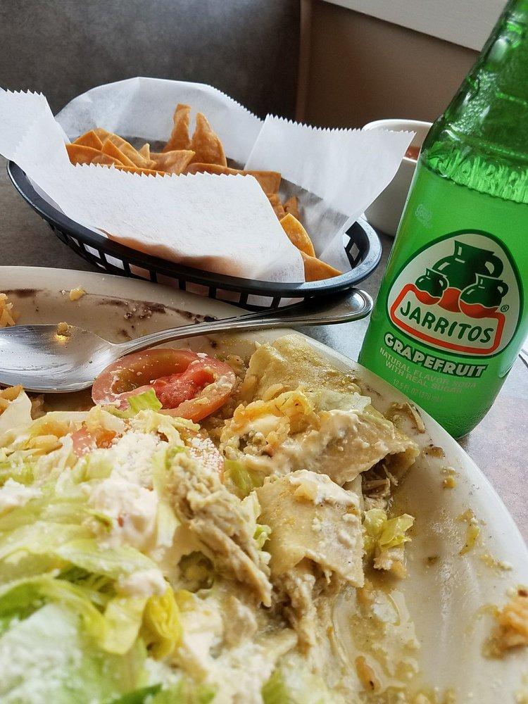 Food from Mi Sazón Restaurant