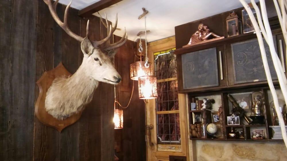 Déco entre chalet de chasseur canadien et cabinet de curiosoté ...