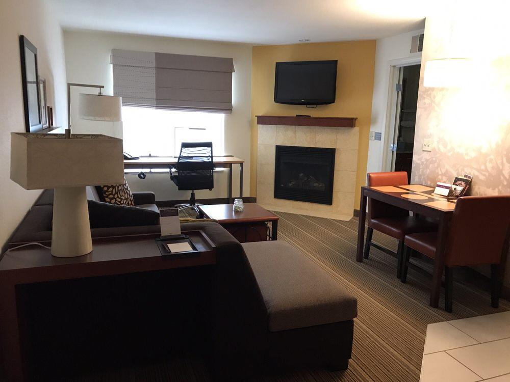 Residence Inn by Marriott Bismarck North: 3421 N 14th St, Bismarck, ND
