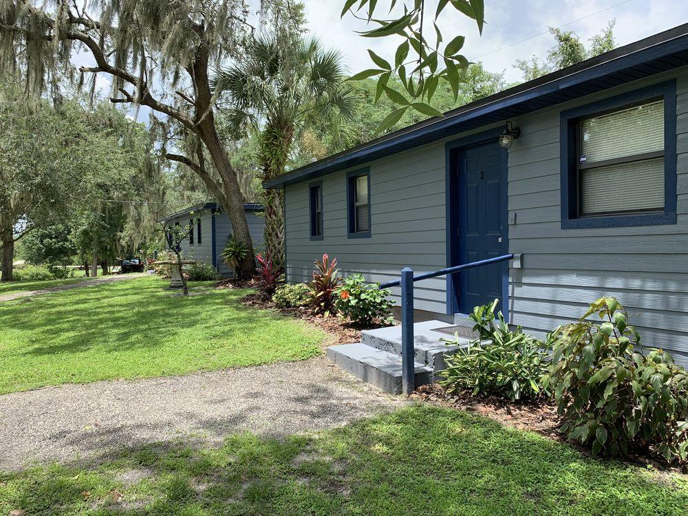 Oak Hammock Resort - Fish Camp And Lakeside Retreat: 3500 Canal Rd, Lake Wales, FL