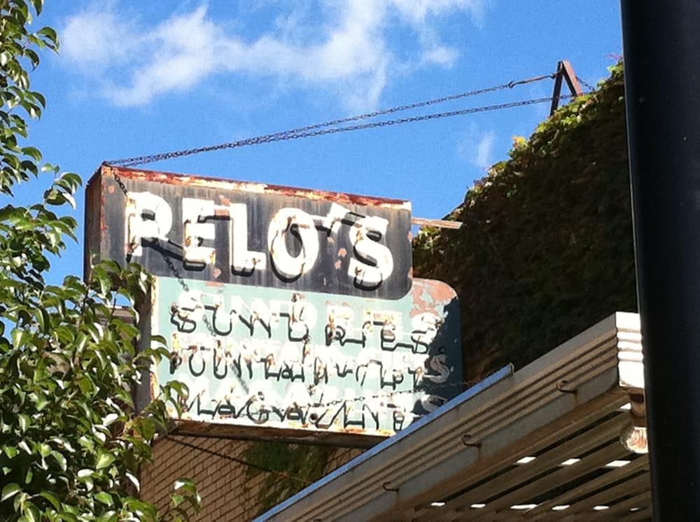 Pelo's Coffee House: N Cody Rd, Le Claire, IA
