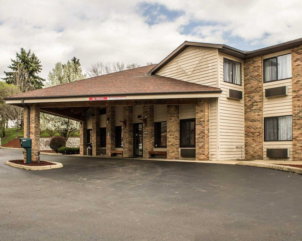 Quality Inn: 15860 St Clair Ave, East Liverpool, OH