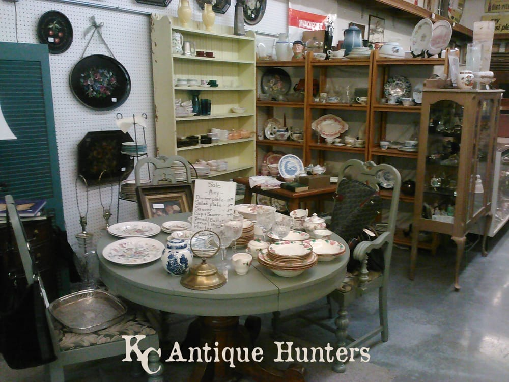 Keepers Antique Mall: 26718 SE Outer Rd, Harrisonville, MO