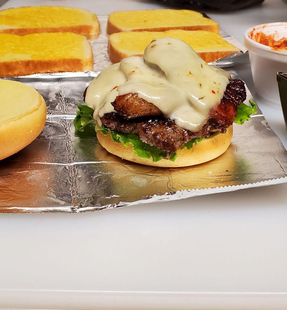 The Real Deal Grill: Cardington, OH